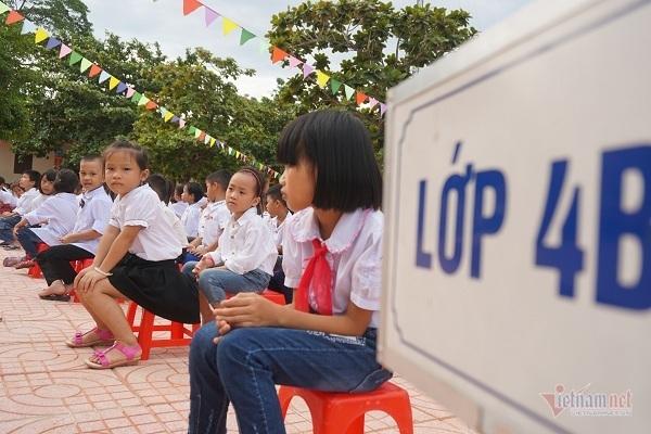 trẻ em,trường ngập lũ,khai giảng muộn,hà tĩnh