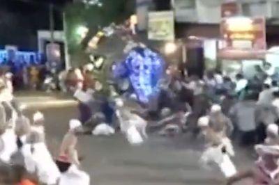 Voi điên giẫm đạp người trong lễ hội, hàng chục người bị thương