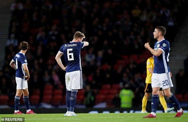 Lukaku khơi mào, Bỉ vùi dập Scotland