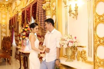 Những đám cưới xa hoa, dát đầy vàng của con đại gia Việt