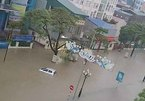 TP Thái Nguyên ngập sâu, ô tô tê liệt giữa biển nước
