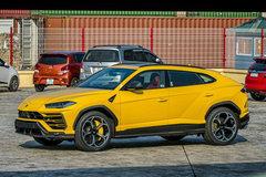 Siêu SUV Lamborghini Urus chính hãng thứ 3 cập bến VN