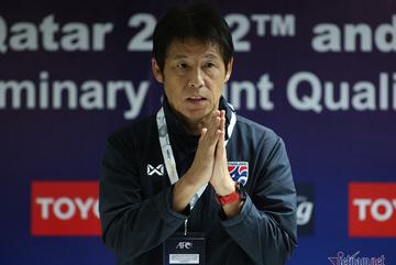 """HLV Nishino chưa bị """"trảm"""", sắp trở lại Thái Lan"""