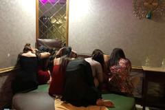 Tiếp viên massage khoả thân kích dục cho khách ở Sài Gòn