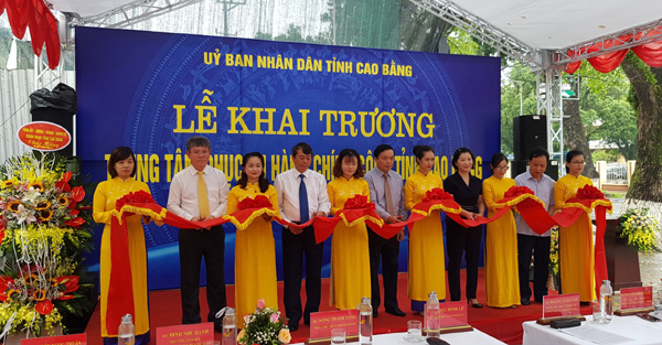 Trung tâm phục vụ hành chính công ngay ở Bưu điện tỉnh Cao Bằng