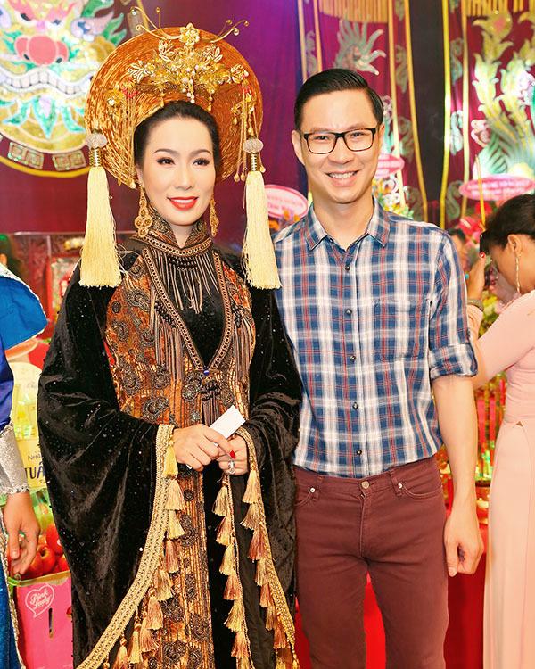 Diễm Hương, Cindy Thái Tài cúng tổ nghề cùng Trịnh Kim Chi