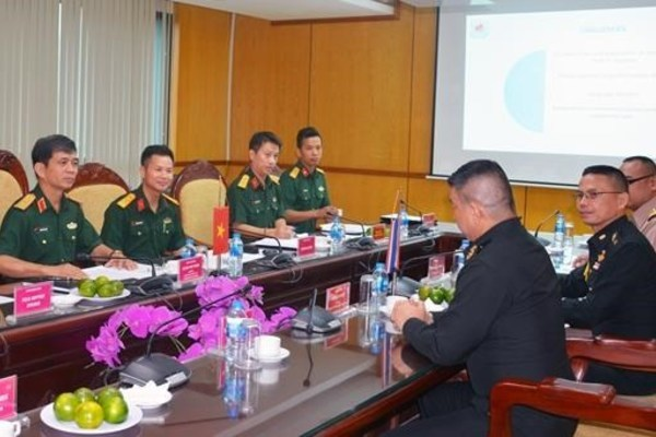 Vietnam enhances cooperation in UN peacekeeping with UK, Thailand