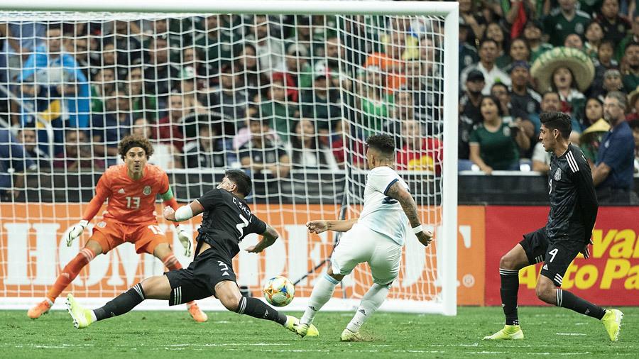 Argentina thắng Mexico '4 sao' bằng đội hình B