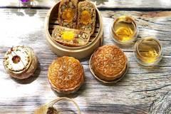 Tự làm bánh Trung thu thập cẩm cho ngày Rằm tháng 8 thêm vui