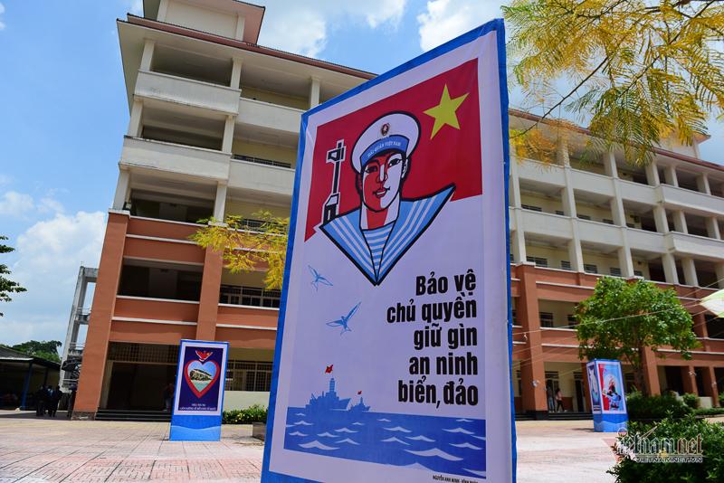 Triển lãm Hoàng Sa-Trường Sa đến với sinh viên ĐH Quốc gia TP.HCM