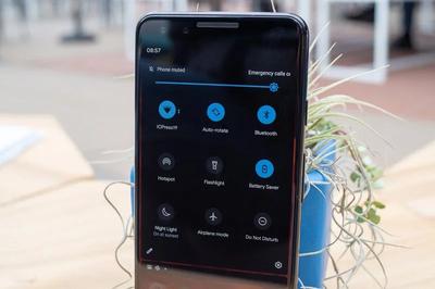 Cách bật giao diện tối toàn hệ thống trên Android 10