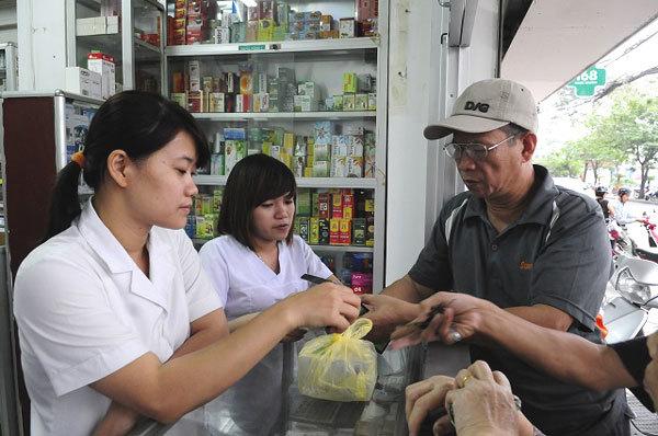 Pharmacies struggle with drug management system