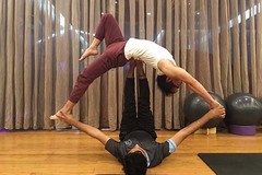 Cô gái tố bị thầy dạy yoga hiếp dâm tại lớp học ở chung cư Sài Gòn