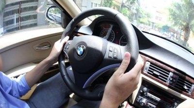 vô lăng ô tô,vô lăng nặng,vô năng đánh lái chậm,tài xế,xe ô tô