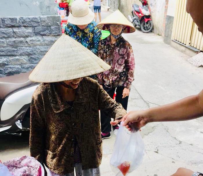 Cơm Từ Thiện,Người Lao Động Nghèo
