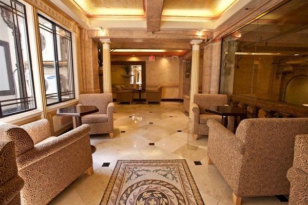 Có gì trong khách sạn ma ám từng đón tiếp sát nhân hàng loạt?