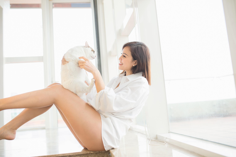 'Bà bầu sexy nhất showbiz Việt' khoe ảnh trong bồn tắm