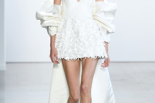Vietnamese designers launch their collections at New York Fashion Week