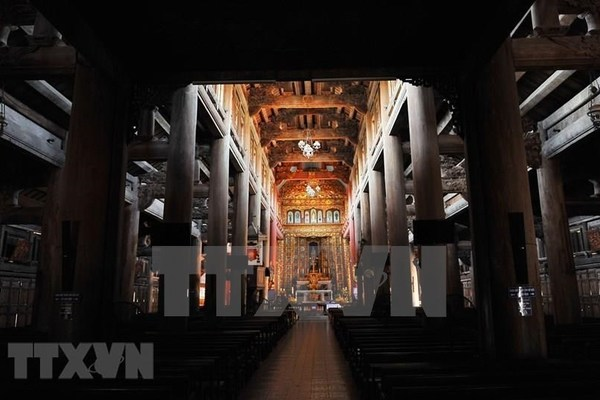 A visit to Phat Diem stone cathedral