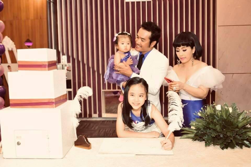 Kiều Oanh tổ chức tiệc thôi nôi cho con thứ 2 tại Mỹ