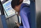 Thanh niên 'quên mua vé', nữ tiếp viên xe buýt bật khóc vì bị tạm đình chỉ
