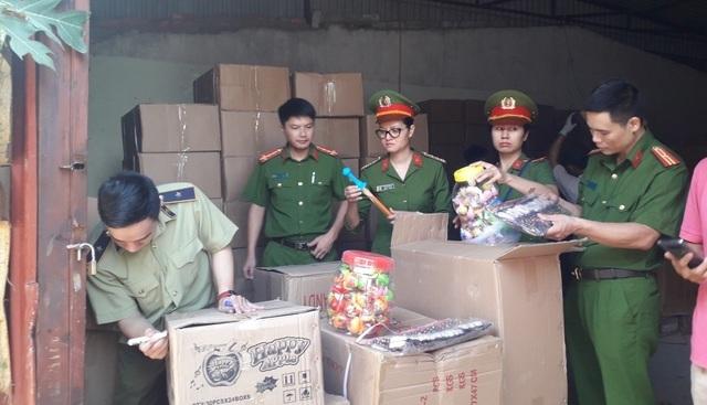Bắt giữ lượng lớn hàng Trung Quốc gắn mác Thái Lan, Hàn Quốc tuồn vào Hà Nội