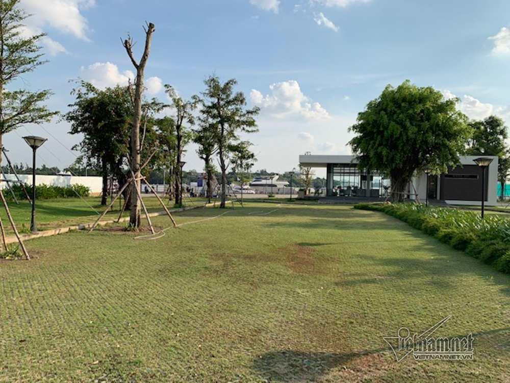 """Cận cảnh hành lang bảo vệ sông Sài Gòn bị """"độc chiếm"""""""