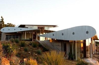 Khám phá ngôi nhà đẹp như trong mơ được làm từ Boeing 747