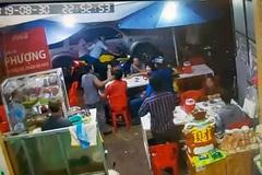 Xã đội trưởng đập vỡ kính ô tô Bộ Công an bị khởi tố