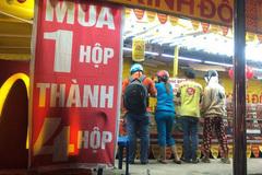Chiêu trò bán bánh trung thu 'đại hạ giá' ở Sài Gòn