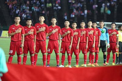 """HLV Đinh Thế Nam: """"U16 Việt Nam cùng đẳng cấp với Australia"""""""