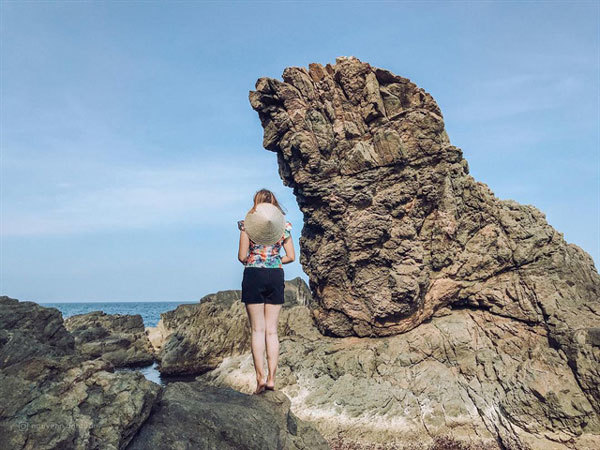 Nghe Rock, the ideal place to catch the first rays of sun in Da Nang