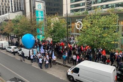 Nhân viên giao thông công cộng biểu tình, Paris tê liệt