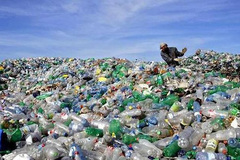 Vietnam sets goals to reduce plastic waste