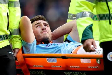 Guardiola nhận tin sét đánh, Man City tuyển quân gấp