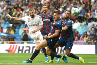 Hazard ra mắt, Real Madrid run rẩy vượt qua Levante