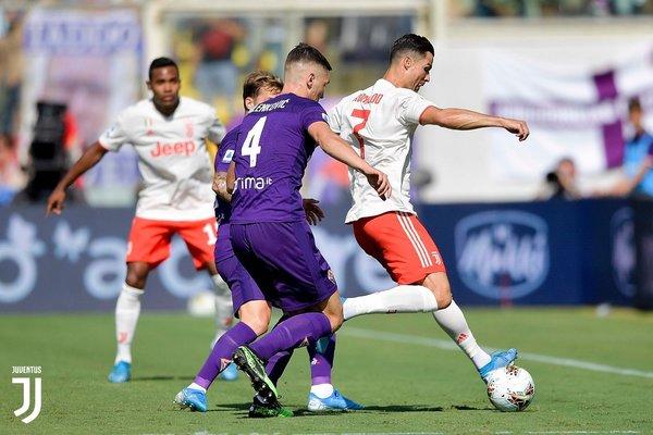 """Ronaldo """"tắt điện"""", Juventus hòa thất vọng Fiorentina"""