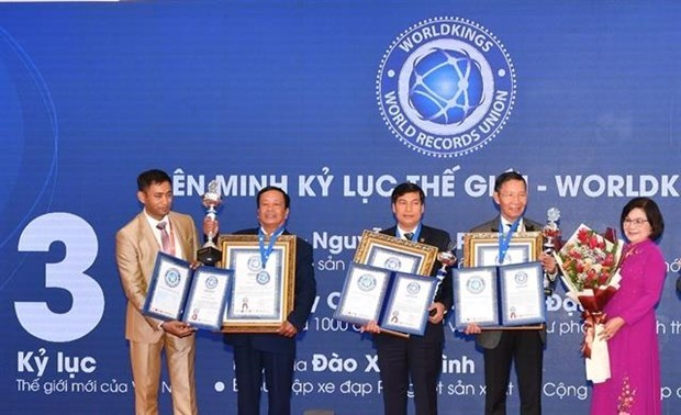 Vietnamese break more world records