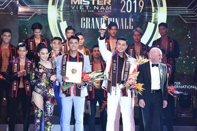 Thuyết trình sai thông tin nhưng Đình Lĩnh vẫn đoạt Mister Việt Nam