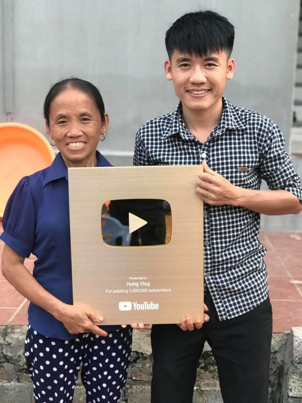 YouTube,kiếm tiền youtube,quảng cáo facebook,Bà Tân VLog
