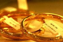 Giá vàng hôm nay 15/9: Giá vàng chìm sâu, nhà đầu tư chịu lỗ tiền triệu