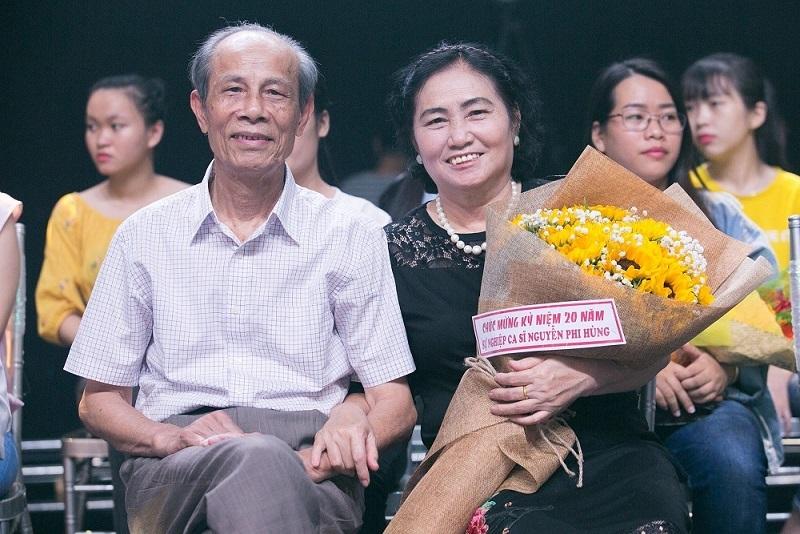 Việt Hương hét lớn, tỏ tình Nguyễn Phi Hùng giữa đám đông