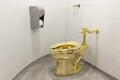 Bồn cầu vàng 139 tỷ chỉ để trưng bày bị đánh cắp