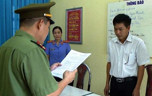 Cựu Phó giám đốc Sở GD-ĐT Sơn La cùng 7 đồng phạm hầu tòa