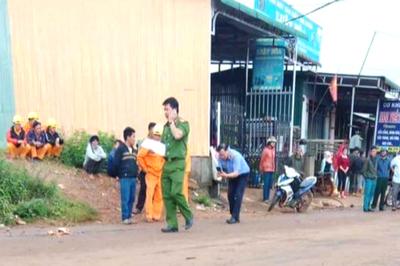 Vướng dây điện đứt trên đường, 2 học sinh tử vong ở Đắk Nông