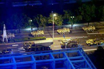 Xôn xao hình ảnh dàn vũ khí 'khủng' của TQ