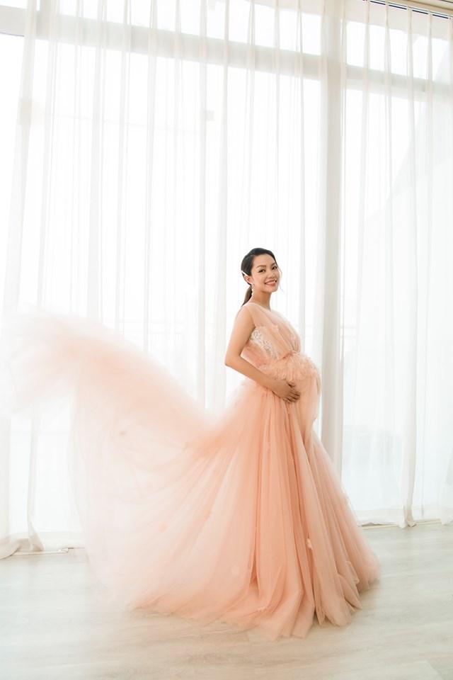Ca sĩ Nguyễn Ngọc Anh muốn đi hát trở lại sau khi sinh con ở tuổi 38