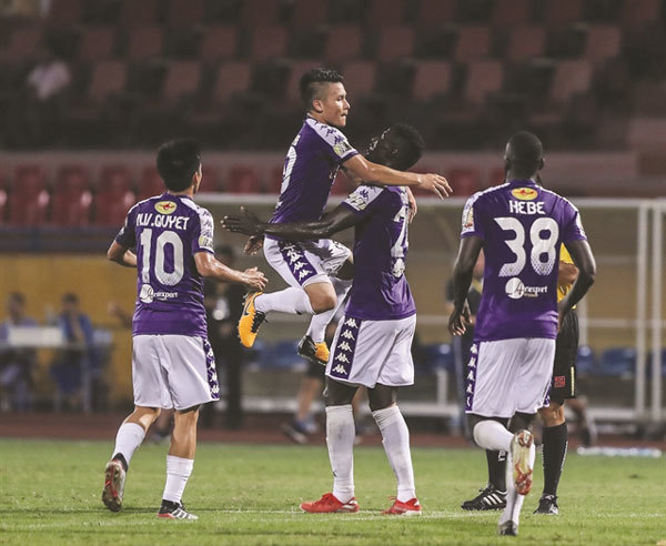 Comeback brings Ha Noi FC to precipice of league title