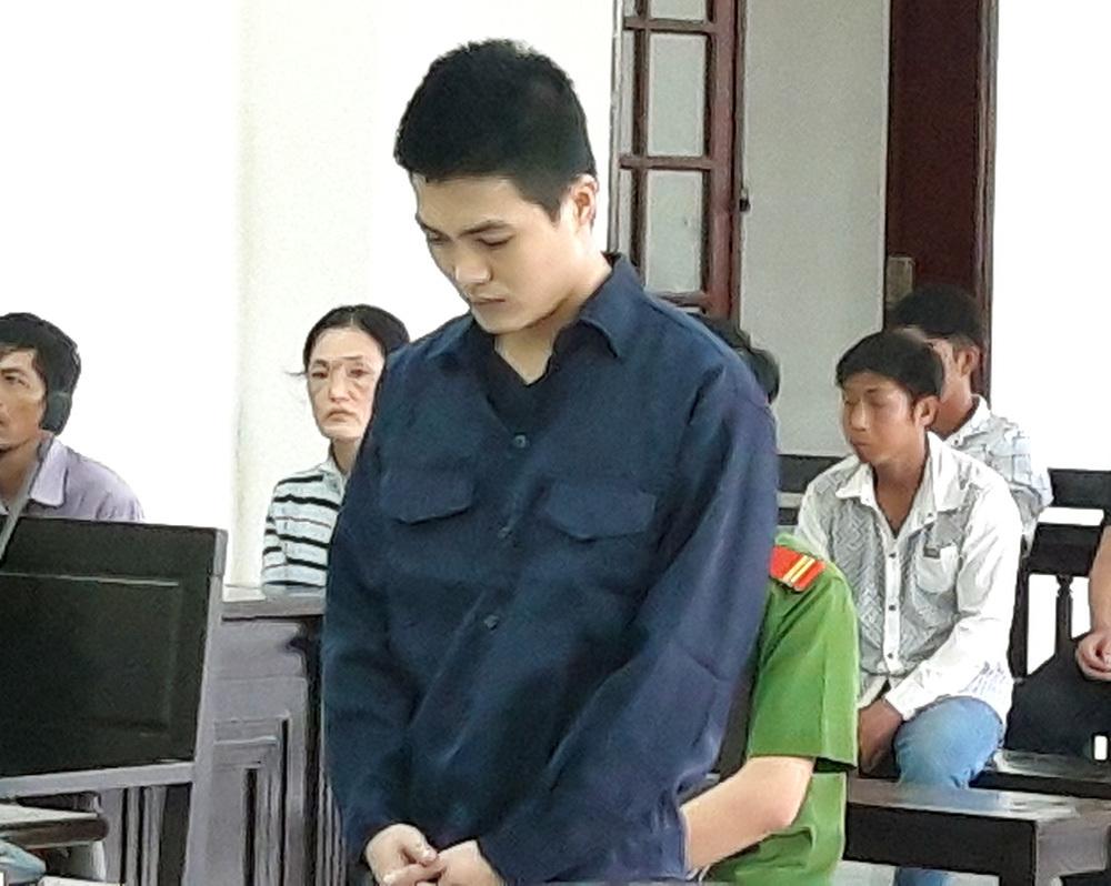 Cùng con trai 15 tuổi đi giải quyết mâu thuẫn, người đàn ông bị đâm chết