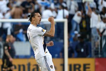 Ibrahimovic lập hat-trick siêu đẳng trên đất Mỹ